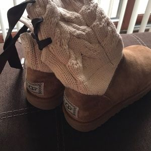 Girls Ugg boots size 6